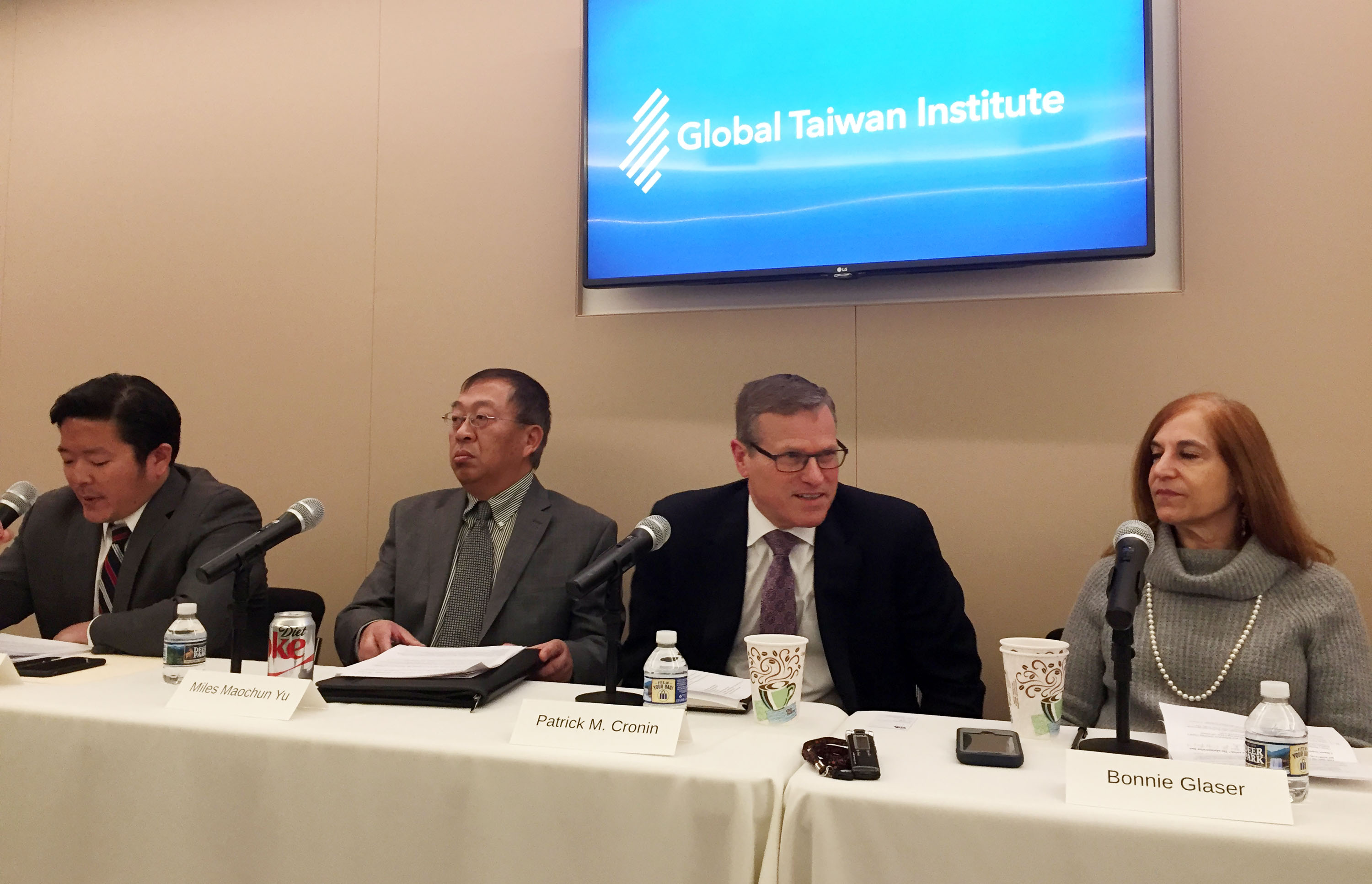 The Global Taiwan Institute seminar with Bonnie Glaser (first right) and Miles Maochun Yu (second left).