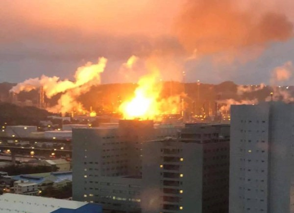 Fire at refinery in Taoyuan. (Image by Taiwan Observer)