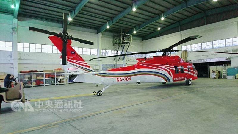 一架自台東前往蘭嶼執行救護後送勤務的黑鷹直升機於5日晚上11時49分自蘭嶼返程起飛約100公尺後光點消失,機上6人下落不明。圖為同型直升機