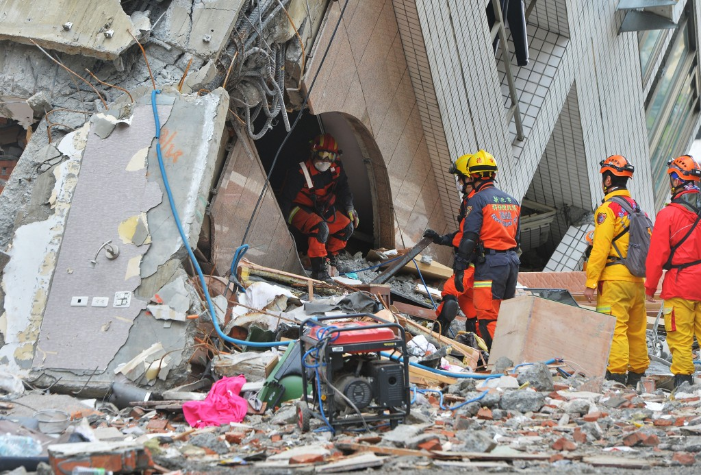 2 Canadians believed trapped in collapsed building in eastern Taiwan
