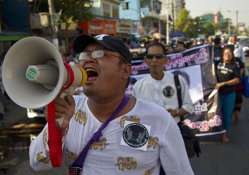 民衆上街遊行表達不滿(圖片來源:美聯社)