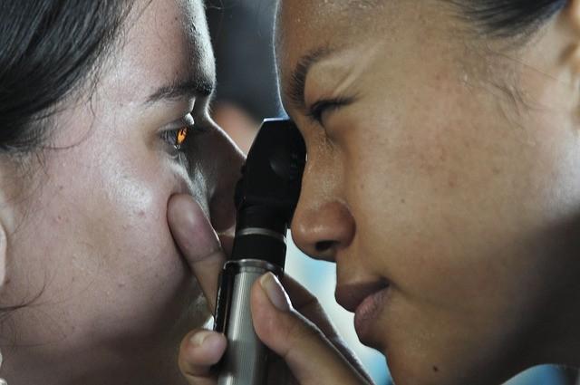 年紀越小近視 易提高白內障青光眼風險