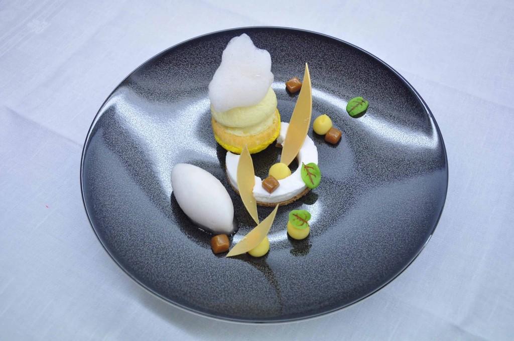 行倫邑發揮創意盛裝在泡芙脆殼裡。