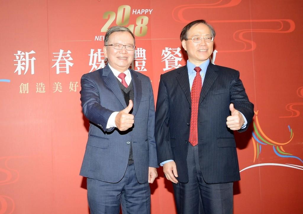 中華電信董事長鄭優及總經理謝繼茂出席新春媒體餐敘。(照片由中華電信提供)