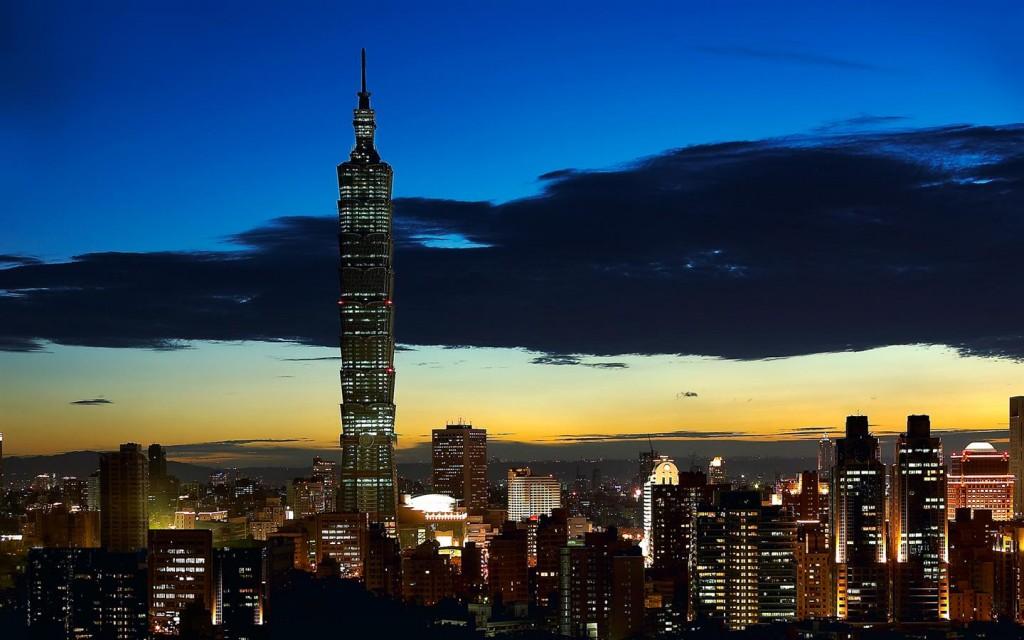 外媒分析台灣人才出口的癥結點是自身的經濟困境。 (台北101官方網站)