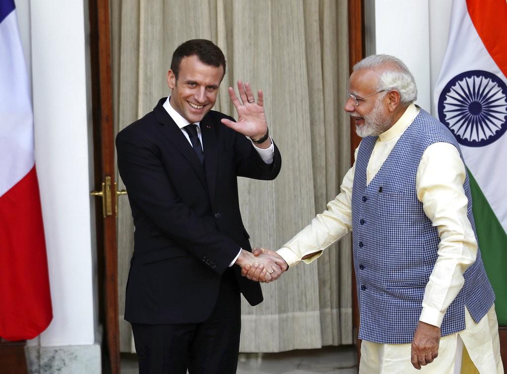 法國總統馬克宏(左)與印度總理莫迪(右)(圖片來源:美聯社)