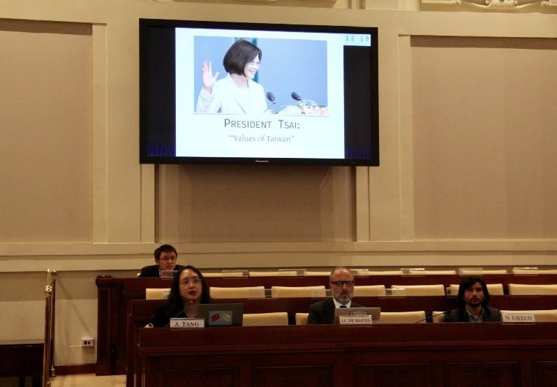 政務委員唐鳳10日出席梵蒂岡宗座社科院研討會,介紹 台灣的數位民主。她以蔡總統的台灣價值開場。中央社