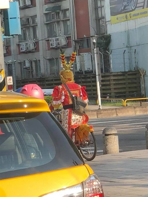Photo of the Day: Monkey King seen riding YouBike in Taipei