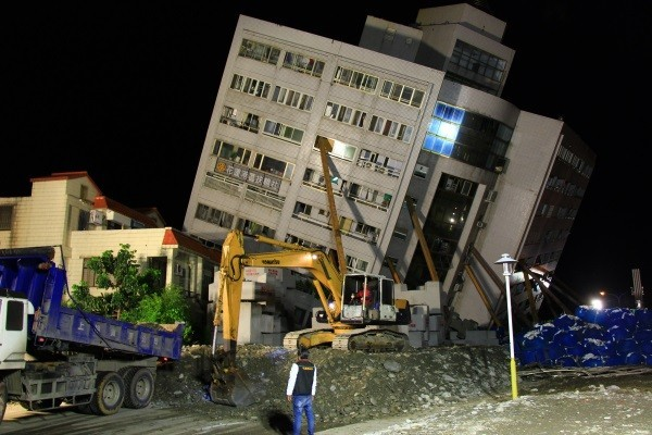 Yun Men Tsui Ti building after the earthquake in Hualien on Feb. 6