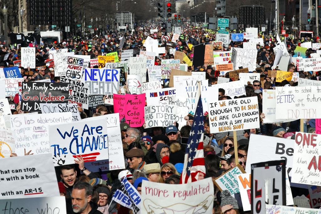 民衆在華府抗議(圖片來源:美聯社)