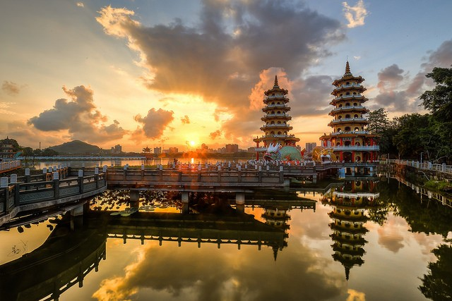 Kaohsiung Lotus Pond (Image by Flickr user Yi-Liang Lai)
