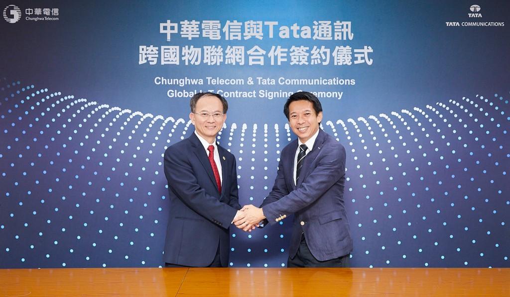 中華電信行動通信分公司陳明仕總經理與tata通訊亞洲業務總裁 andrew yeong宣布中華電信與tata 通訊合作