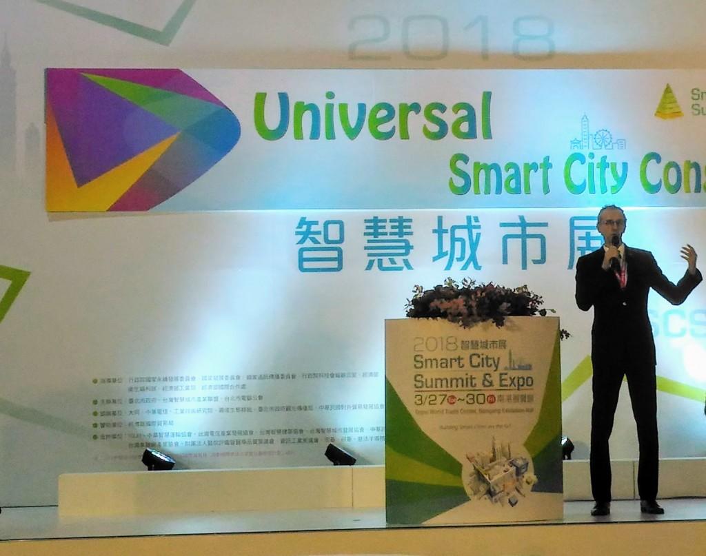 """Ivan Štefanec opens the """"Universal Smart City Congress."""""""