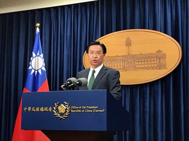 外交部長吳釗燮今日在總統府說明總統蔡英文出訪史瓦濟蘭的規劃