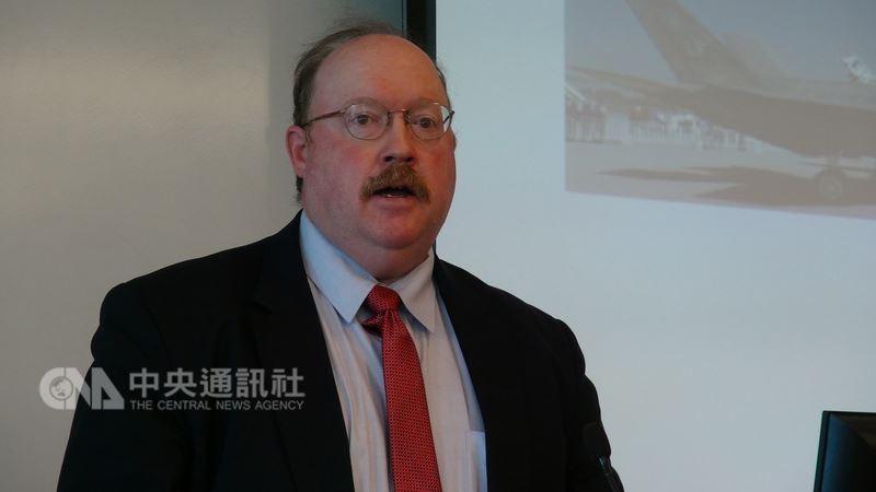 美國軍事專家費學禮(Richard Fisher)表示,美國在軍售繼續限制台灣取得「攻擊性武器」,已不合時宜。(圖/中央社)