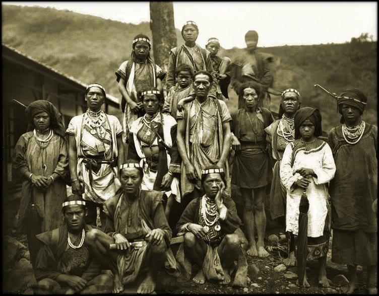 Photo of a Bunun tribe, early 1900s