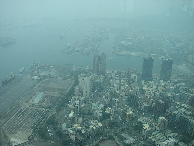 Kaohsiung port seen through the haze from Tuntex Skytower (Image from Flickr user Kevin)