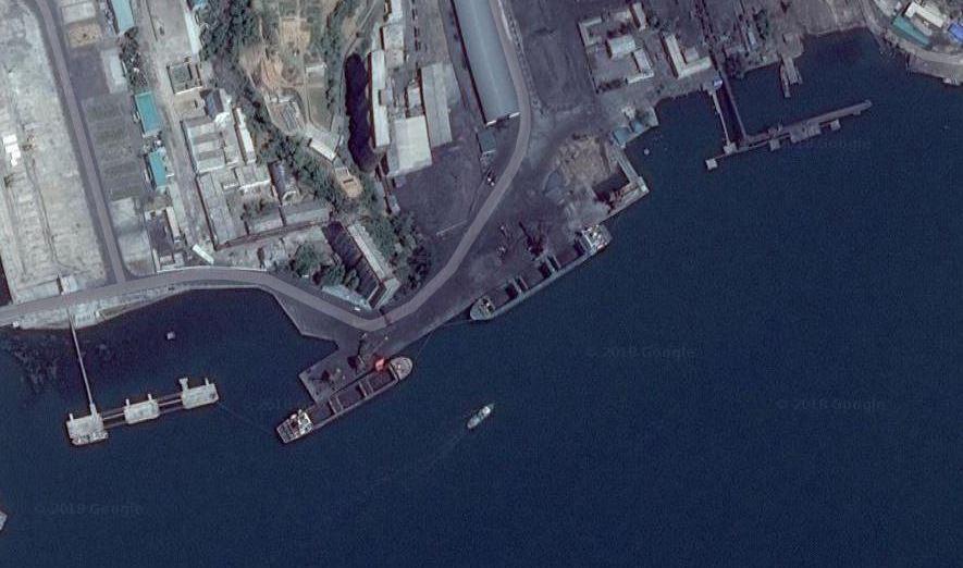 媒體質疑正在準備出口煤礦的南浦港(圖片來源:翻攝自Google Map)