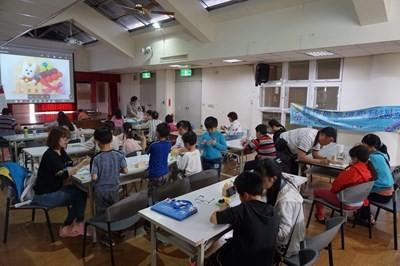 台中市社會局舉辦「新住民家庭醫療及兒童發展課程」,與新住民姐妹們分享正確早期療育觀念。(圖片來源:臺中市社會局提供)