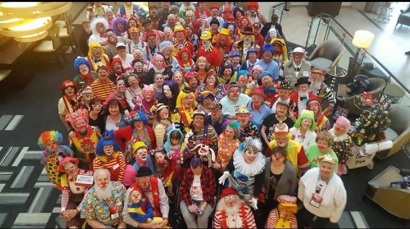 來自世界各國的頂尖小丑同場競技。翻攝COAI官方臉書