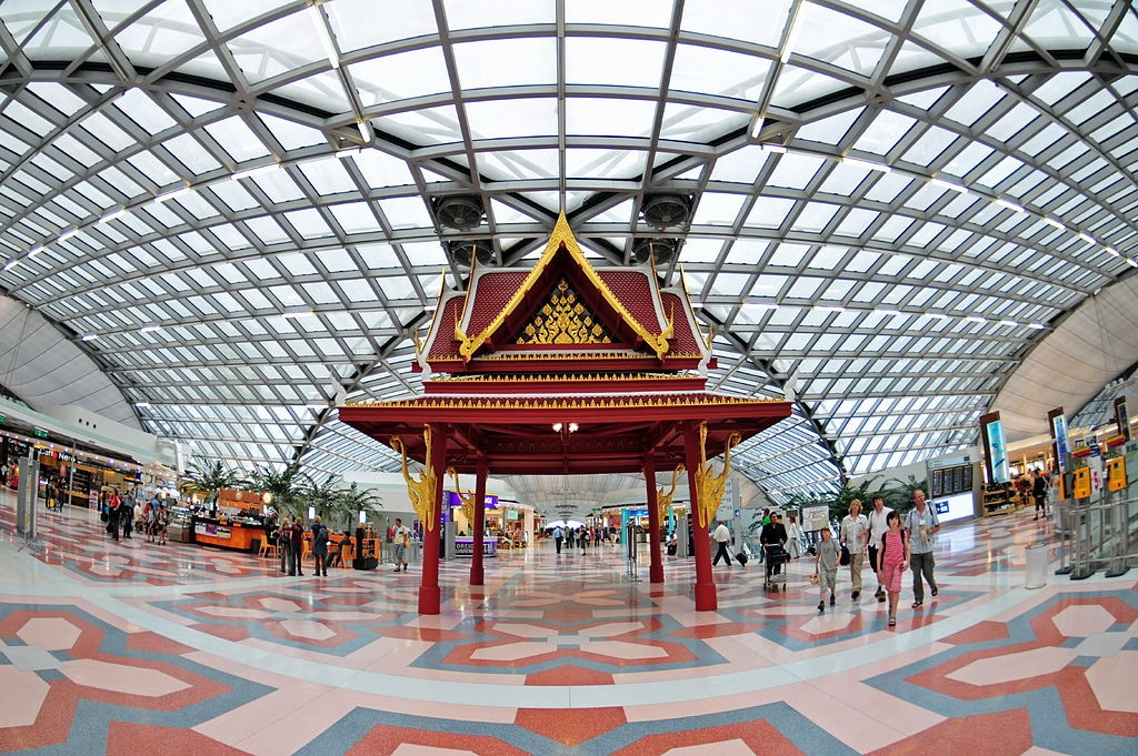 Bangkok Airport (photo by Roger Price).
