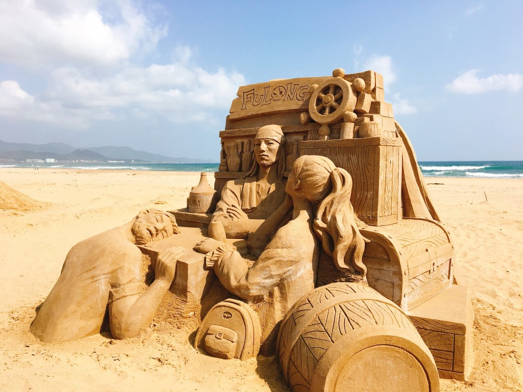 本次以海洋冒險為主題,共有來自13個國家28位國際沙雕師參與活動,打造出76座風格獨特的作品(東北角暨宜蘭海岸國家風景區管理處提供)