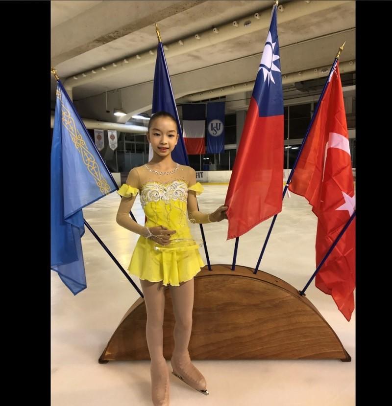 12歲的丁子涵(圖)在法國Rooster盃花式滑冰少年女子組賽事奪冠。中央社