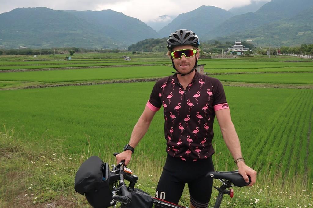 澳洲網紅Hayden Quinn來台宣傳自行車旅遊(圖/Taiwan on 2 wheels網站)