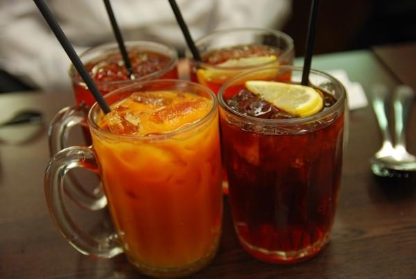 Ice milk and lemon teas. (Wikimedia Commons)
