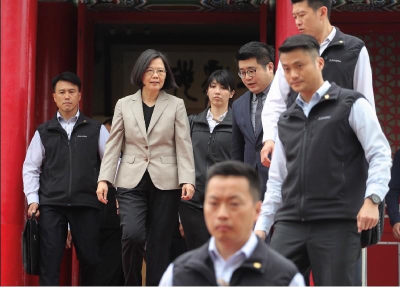 圖為總統蔡英文(左2)26日應邀出席農委會「第一屆金牌農村競賽頒獎典禮」。中央社