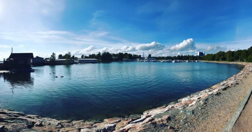位於赫爾辛基市中心的湖。(蔣佩庭攝)