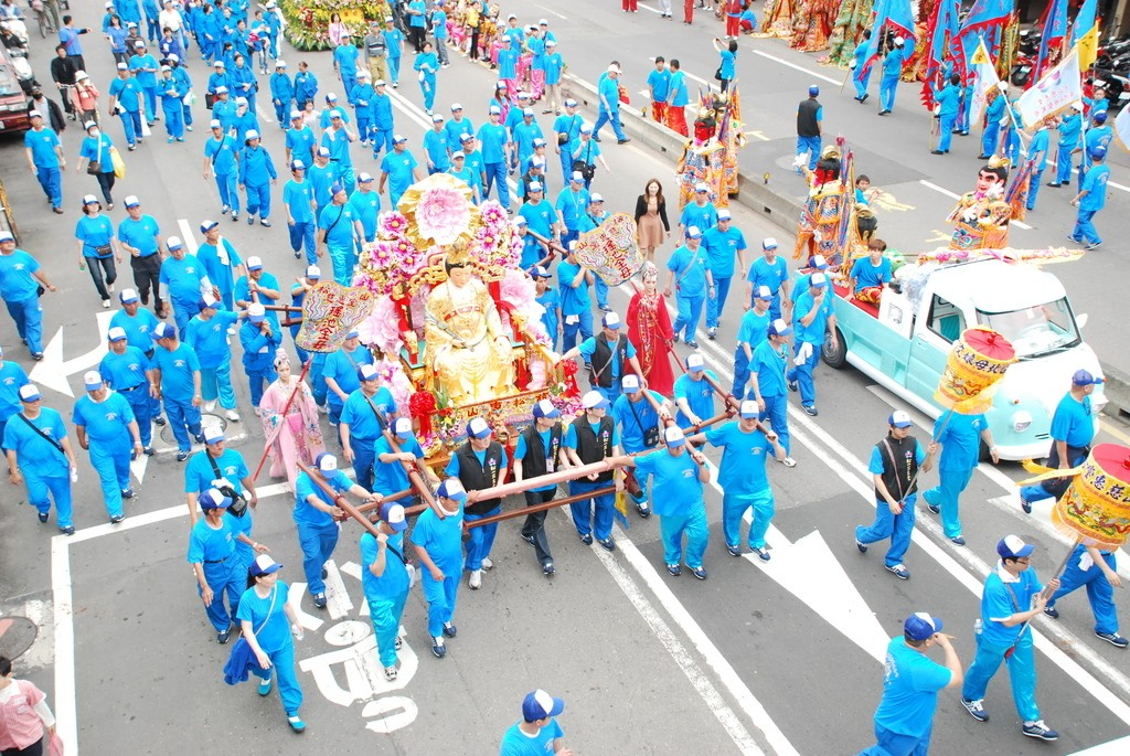 Procession from the Songshan Cihui Temple Muniang Cultural Festival happening May 4 (Image from Tourism Bureau)