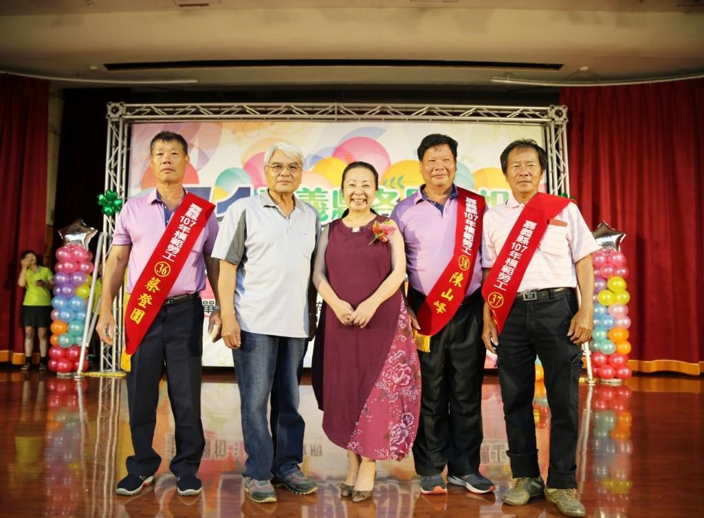 慶勞動節   越南移工獲頒嘉義模範勞工