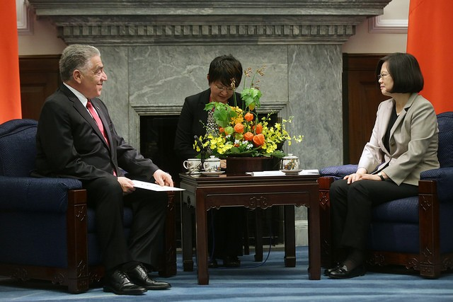 President Tsai Ing-wen mets with Dominican Republic Ambassador Jose Miguel Soto Jimenez in 2017 (Photo courtesy of the Presidential Office)