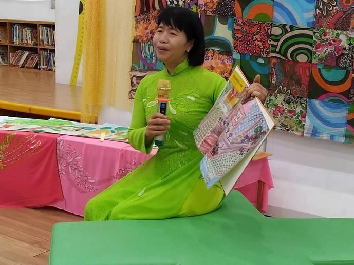 由雲林縣5位新住民創作的新住民雙語繪本:《我在雲林·不孤單》《愛上台灣留在雲林》6日舉辦發表會(雲林縣政府提供)