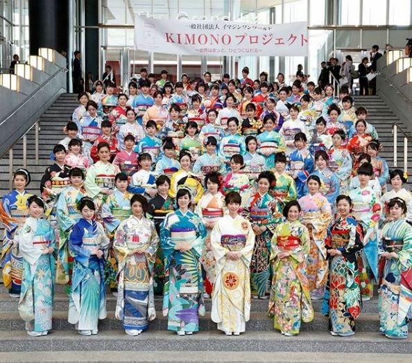 此和服團體名為「想像一個世界」,在全日本超過130位達人的合作之下,設計196個國家的專屬和服(翻攝自想像一個世界Instagram)
