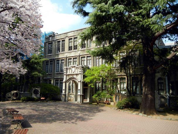 日本青山學院大學(維基百科)