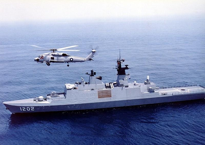 Taiwan Navy Kang Ding frigate.