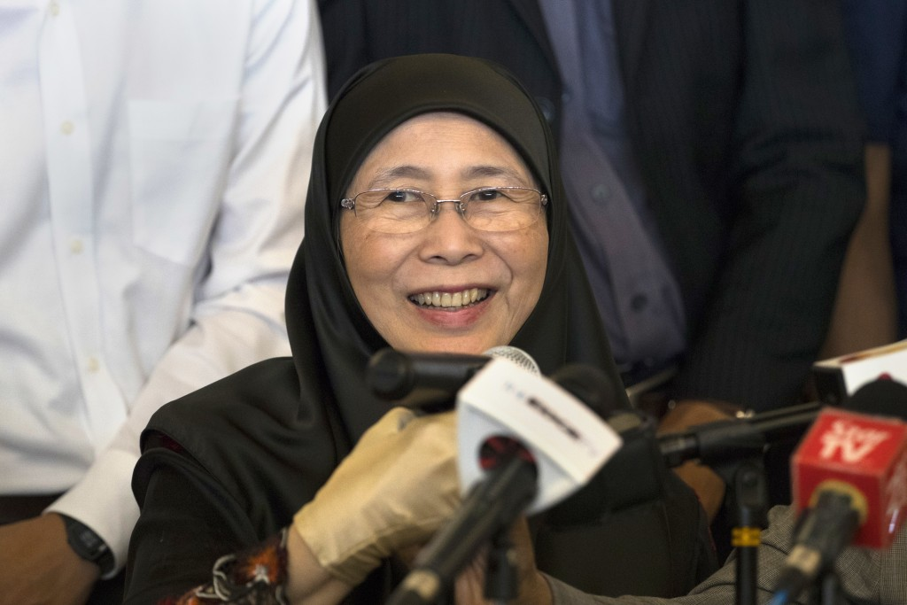 Jailed Malaysian opposition leader to be freed, granted full pardon on Tuesday