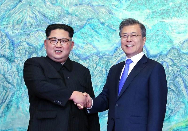 北韓領導人金正恩與南韓總統文在寅(資料畫面:美聯社)