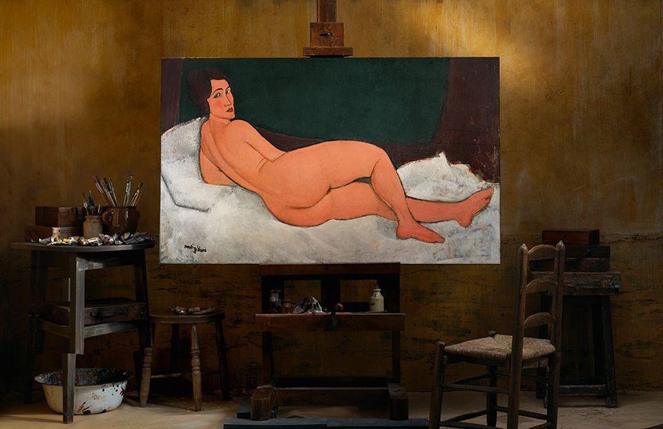 《向左側臥的裸女》創作於1917年。 (翻攝自artnews.com)