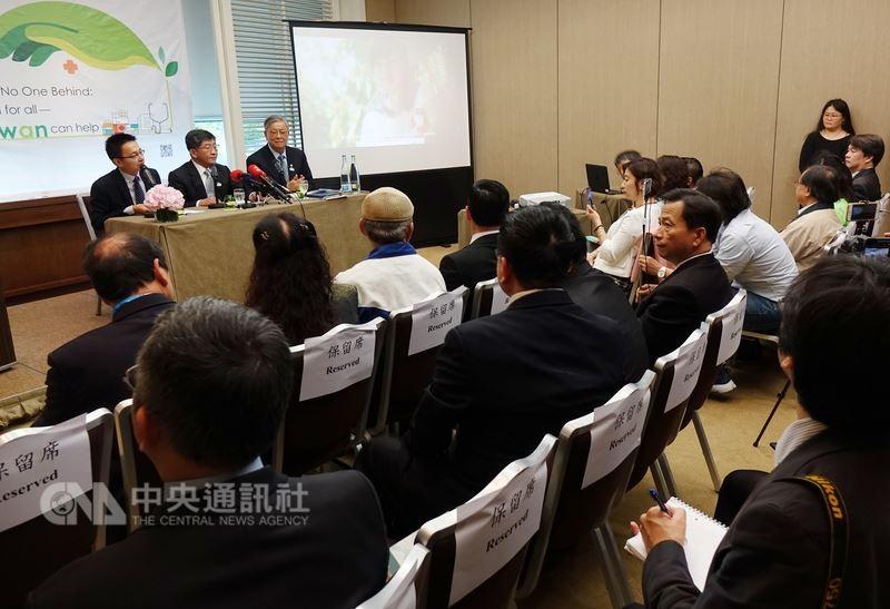 衛生福利部部長陳時中21日在日內瓦舉行國際記者會表示,疾病無視政治,基於政治因素未邀請台灣參與WHA,違反WHO基本原則。