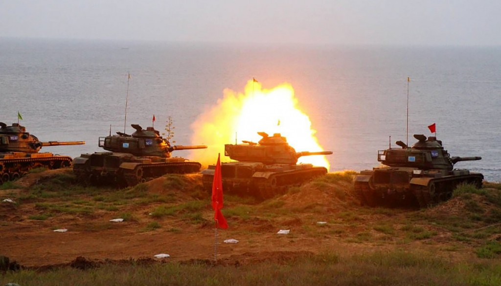 Tank fires during drill in Penghu.