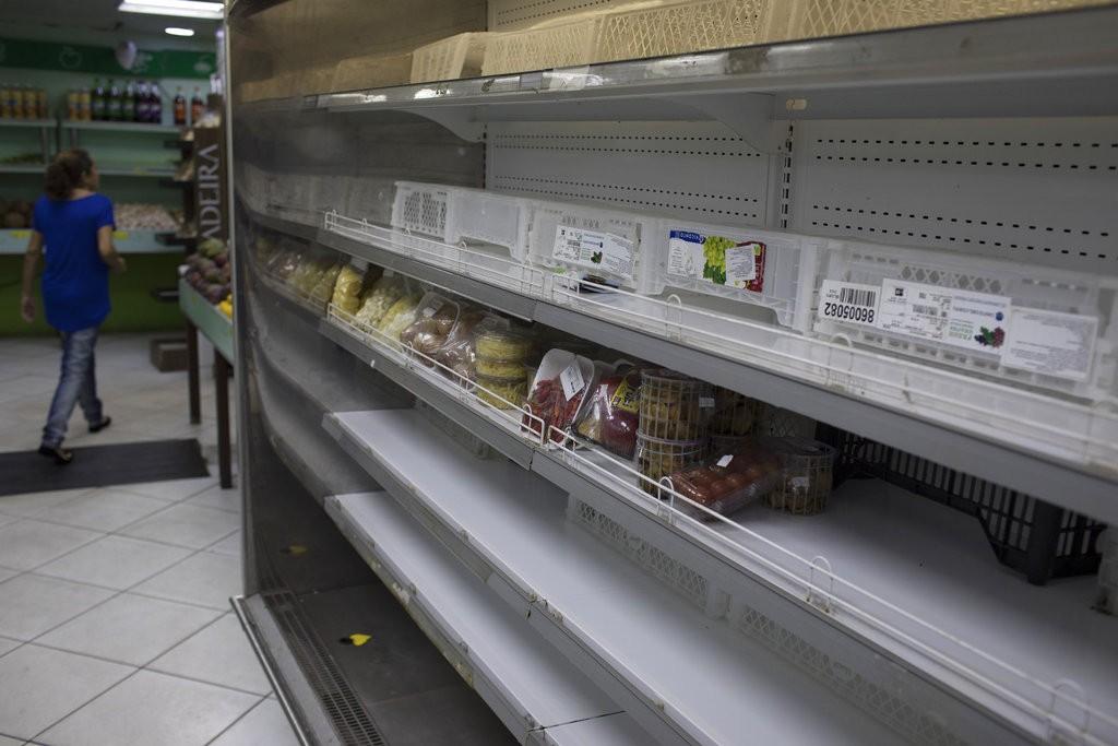 巴西卡車工人罷工,導致國内貨運網絡麻麻痺(美聯社)