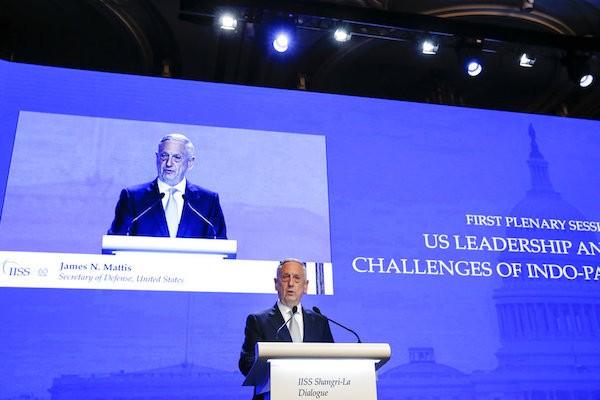 香格里拉對話2日進入第二天議程,美國國防部長馬提斯主持美國領導與印太安全的挑戰議題討論(圖片來源:美聯社)