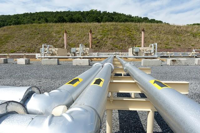 Gas pipeline terminal in Pennsylvania, USA (Flickr...