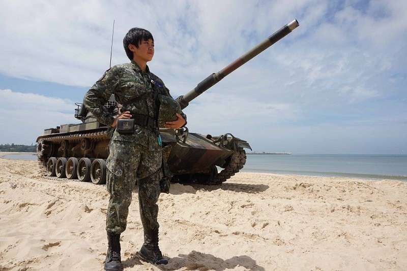Taiwan holds large military drills amid China tensions