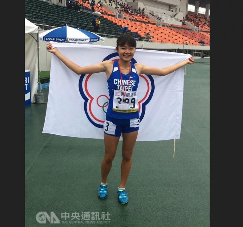 15歲的楊睿萱(圖),是今年中華亞青田徑代表隊最年輕的選手。中央社