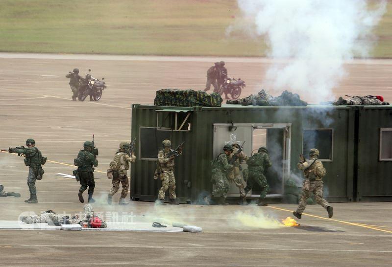 圖為6月7日國軍漢光34號演習實彈實兵演練。(中央社檔案照片)