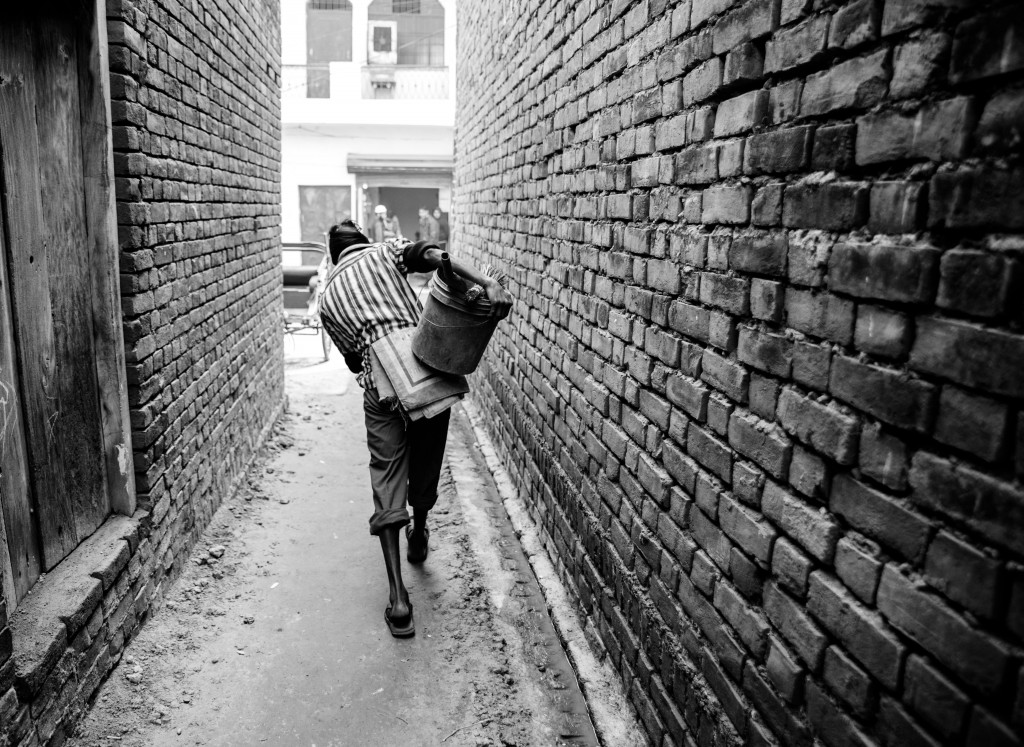 即使印度憲法已明文廢除種姓制度,賤民仍遭受許多不公平對待。(Sharada Prasad CS on flickr)